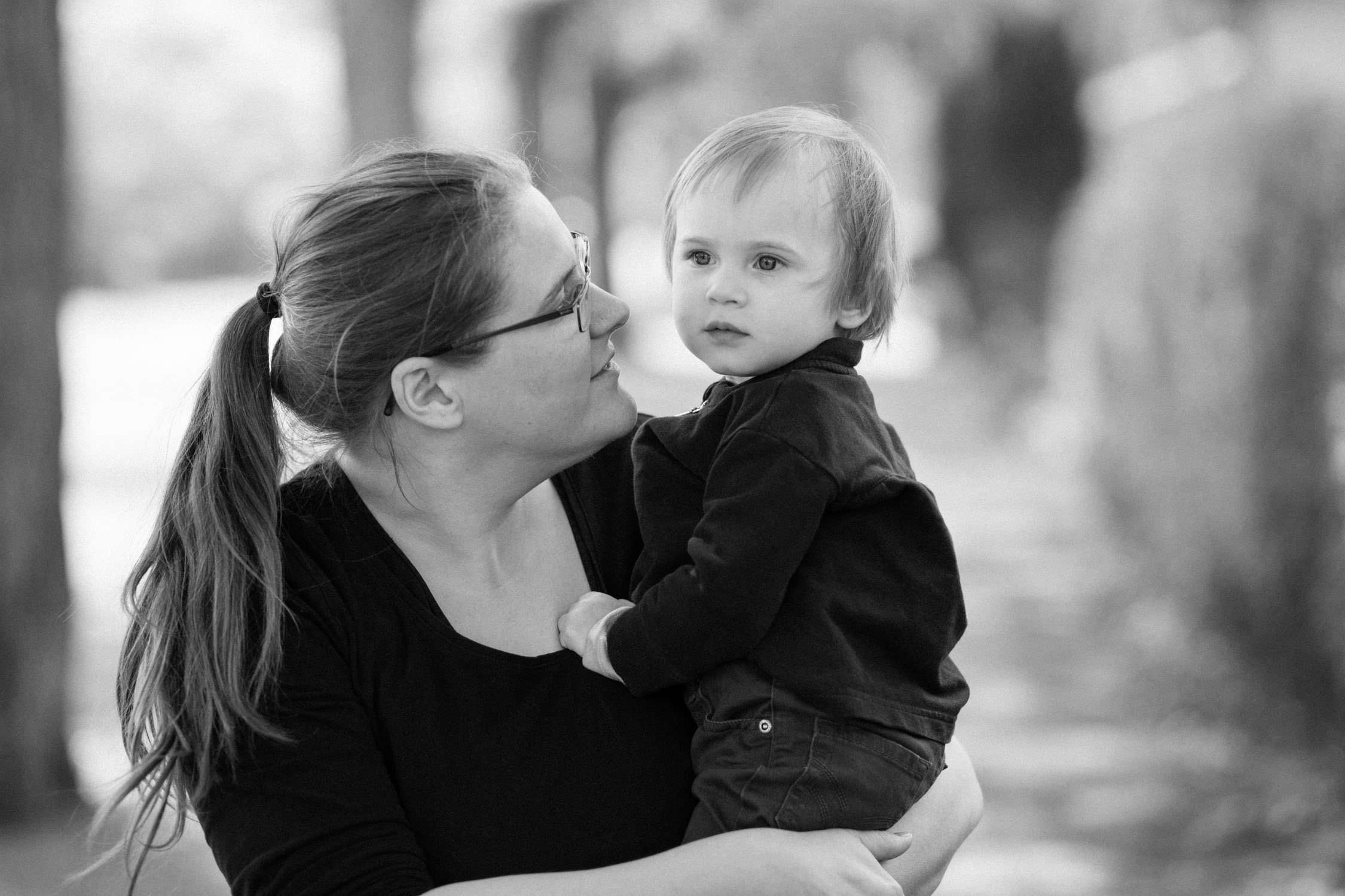 Tove Lundquist är en dokumentär familjefotograf som är verksam i Skåne. Stort fokus på storytelling och naturliga känslor. Dokumenterar vardagen. Ej poserat.